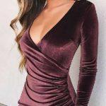 2018 Kadife Elbise Modelleri Mor Kısa V Yakalı Uzun Kollu Çapraz Katlı Etek