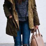 2020 Kış Modası İçin Bayan Spor Kombinler Lacivert Yırtık Pantolon Yeşil Kürklü Mont