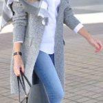 2020 Kış Modası İçin Bayan Spor Kombinler Mavi Pantolon Beyaz Kazak Gri Atkı
