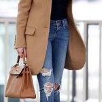 2021 Kış Modası İçin Bayan Spor Kombinler Mavi Yırtık Pantolon Kahverengi Kaban