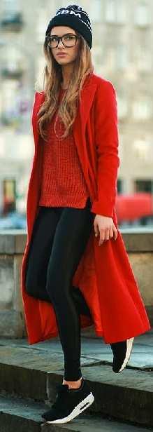 2021 Kış Modası İçin Bayan Spor Kombinler Siyah Pantolon Kırmızı Kazak Kaşe Uzun Kaban