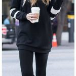 2020 Kış Modası İçin Bayan Spor Kombinler Siyah Pantolon Siyah Kolları Çizgili Kazak
