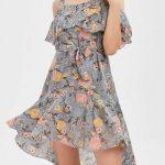 2018 Şifon Elbise Modelleri Gri Kısa Askılı Çiçek Desenli