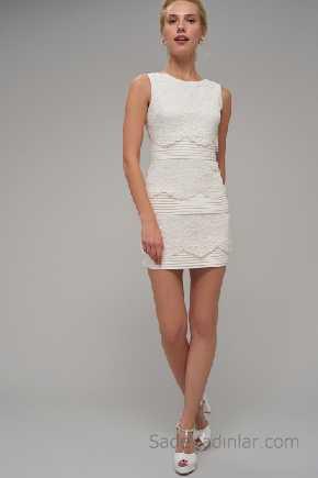 2021 Beyaz Elbise Modelleri Kolsuz Dantel Detaylı
