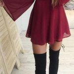Dizüstü Çizme Siyah Topuklu Kırmızı V Yaka Elbise