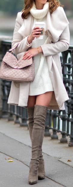2020 Kış Kombinleri Dizüstü Çizme Vizon Süet Krem Kısa Boğazlı Örme Elbise