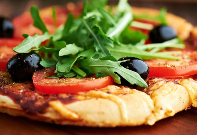 Hem Pratik Hemde Lezzetli Diyet Pizza Tarifi
