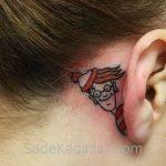 Küçük Dövme Modelleri Tattoo İnsan Figürlü Kulak Arkası Dövme Modelleri