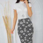 Midi Boy Etek Modelleri Siyah Çiçek Desenli Beyaz Bluz Kombin
