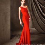Pronovias 2018 Kırmızı Elbise Modelleri Uzun Balık Tek Omzu Açık