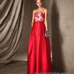 Pronovias 2018 Kırmızı Elbise Modelleri Uzun Straplez Çiçek İşlemeli
