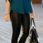 Siyah Deri Tayt Yeşil V Yaka Gömlek