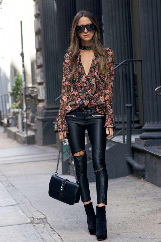 Siyah Deri Tayt Çiçek Desenli Gömlek