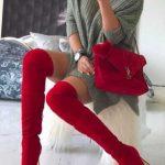 2018 Kombin Trendleri Kırmızı Çizme Gri Kısa Yırtmaçlı Kazak Elbise