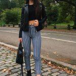 2018 Moda Trend Lacivert Çizgili pantolon Siyah Göbeği Açık Kazak Siyah Deri Ceket