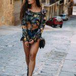 2018 Moda Trend Mavi Kısa Şort Siyah Desenli Yuvarlak Yaka Göbeği Açık Bluz