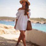 2019 Yazlık Elbise Modelleri Beyaz Kısa Straplez Lastikli Yaka Sade Elbise