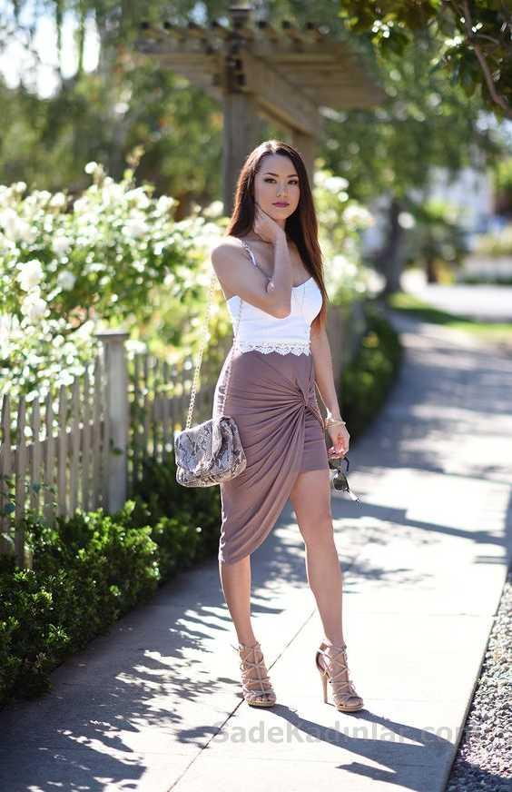 2020 Yazlık Elbise Modelleri Kahverengi Kısa Simetrik Kesim İp Askılı Beyaz Bluz