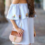 2019 Yazlık Elbise Modelleri Mavi Kısa Straplez Yakası Fırfırlı Ve İşlemeli Elbise