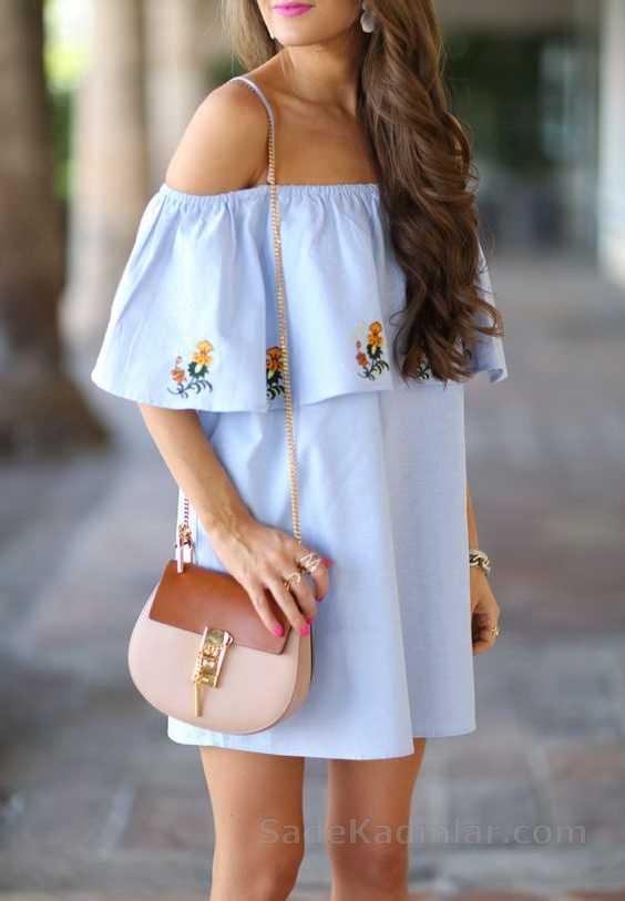 2020 Yazlık Elbise Modelleri Mavi Kısa Straplez Yakası Fırfırlı Ve İşlemeli Elbise
