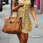2019 Yazlık Elbise Modelleri Sarı Kısa Askılı Önden Düğmeli Desenli Elbise