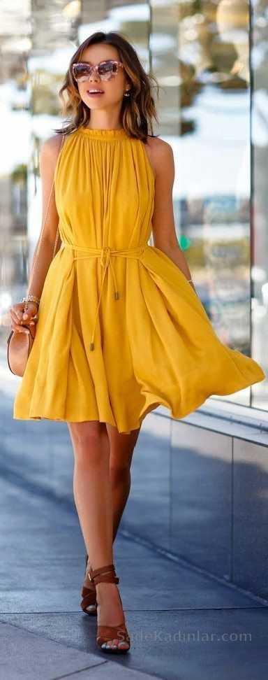 2019 Yazlık Elbise Modelleri Sarı Kısa Kolsuz Belden İp Bağcıklı Elbise