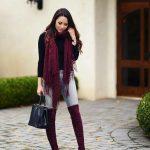 Bayanlar İçin Pantolon Kombinleri Gri Pantolon Siyah Kazak Bordo Şal