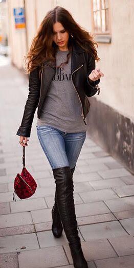 Bayanlar İçin Pantolon Kombinleri Mavi Pantolon Gri Swet Siyah Deri Ceket