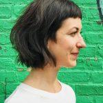 Kısa Saç Modelleri kısa dalgalı saç kesimleri textured bob with soft sideburn