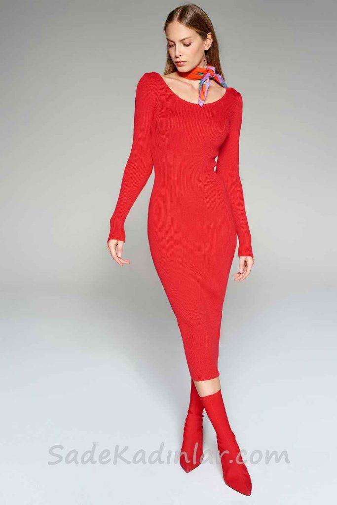 Kışlık Elbise Modelleri Kırmızı Uzun Geniş Yuvarlak Yaka Uzun Kollu