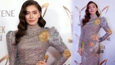 Neslihan Atagül'ün 12 Kiloluk Elbisesi Dikkat Çekti!