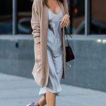 2020 Kıyafet Kombinleri Gri Midi Elbise Kahverengi Uzun Hırka