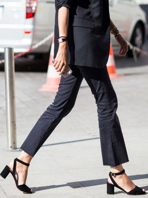 2019 İlkbahar/Yaz Kıyafet Kombinleri Siyah Kumaş Pantolon Siyah Ceket Siyah Topuklu Ayakkabı