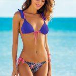 2018 Bikini Modelleri Lacivert Üçgen Fırfırlı Altı Desenli