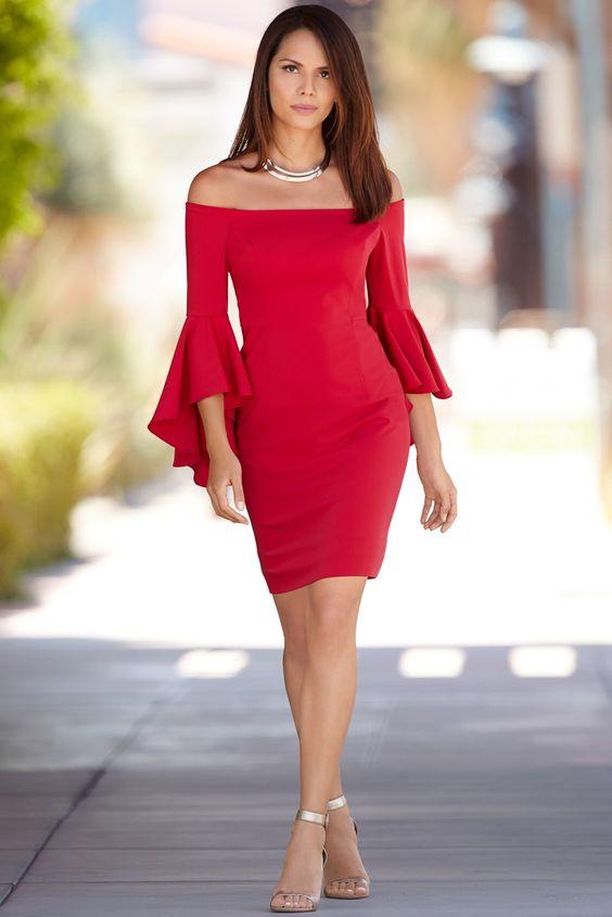 Kırmızı Elbise Modelleri Kısa Omzu Açık Kolları Fırfırlı
