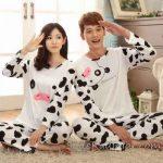 Pijama Takımları Beyaz Uzun Kollu Siyah Desenli İnek Figürlü
