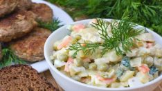 Rus Salatası Sofralarınızda Her Yemeğin Yanına Yakışan Salata Tarifi