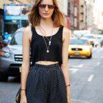 Göbeği Açık Tişört Kombinleri Sokak Modasına Damgasını Vuracak
