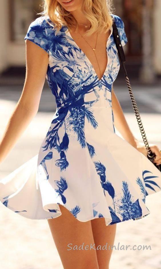 2019 Yazlık Elbise Modelleri Beyaz Kısa Derin V Yakalı Kısa Kollu Mavi Çiçek Desenli