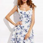 2020 Yazlık Kısa Elbise Modelleri Beyaz Kısa Kalın Askılı Kalp Yaka Çiçek Desenli