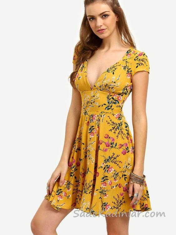 2020 Yazlık Kısa Elbise Modelleri Sarı Kısa V Yakalı Dekolteli Kısa Kollu Çiçek Desenli