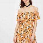 2020 Yazlık Kısa Elbise Modelleri Turuncu Omzu Açık Düşük Kol Fırfırlı Yaka ÇiçekDesenli