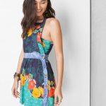 2020 Yazlık Kısa Elbise Modelleri Yeşil Kısa Halter Yaka Yandan Düğme Detaylı Desenli