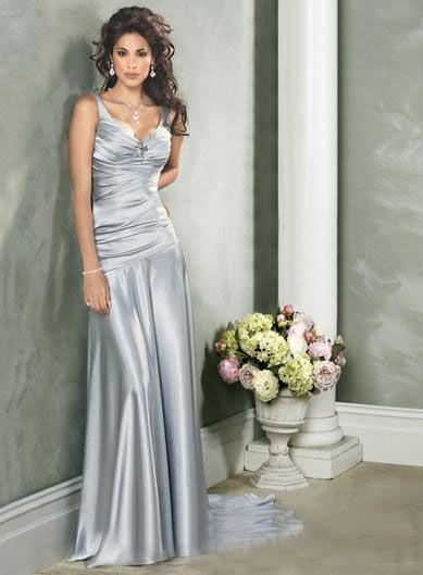 Saten Elbise Modelleri Gri Uzun kalın Askılı Geniş Yaka
