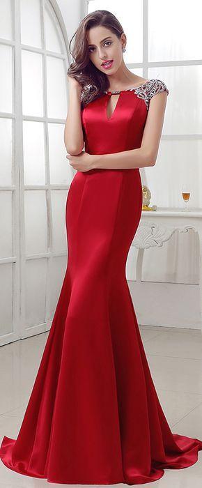Saten Elbise Modelleri Kırmızı Uzun Balık Kolsuz Omuzları İşlemeli