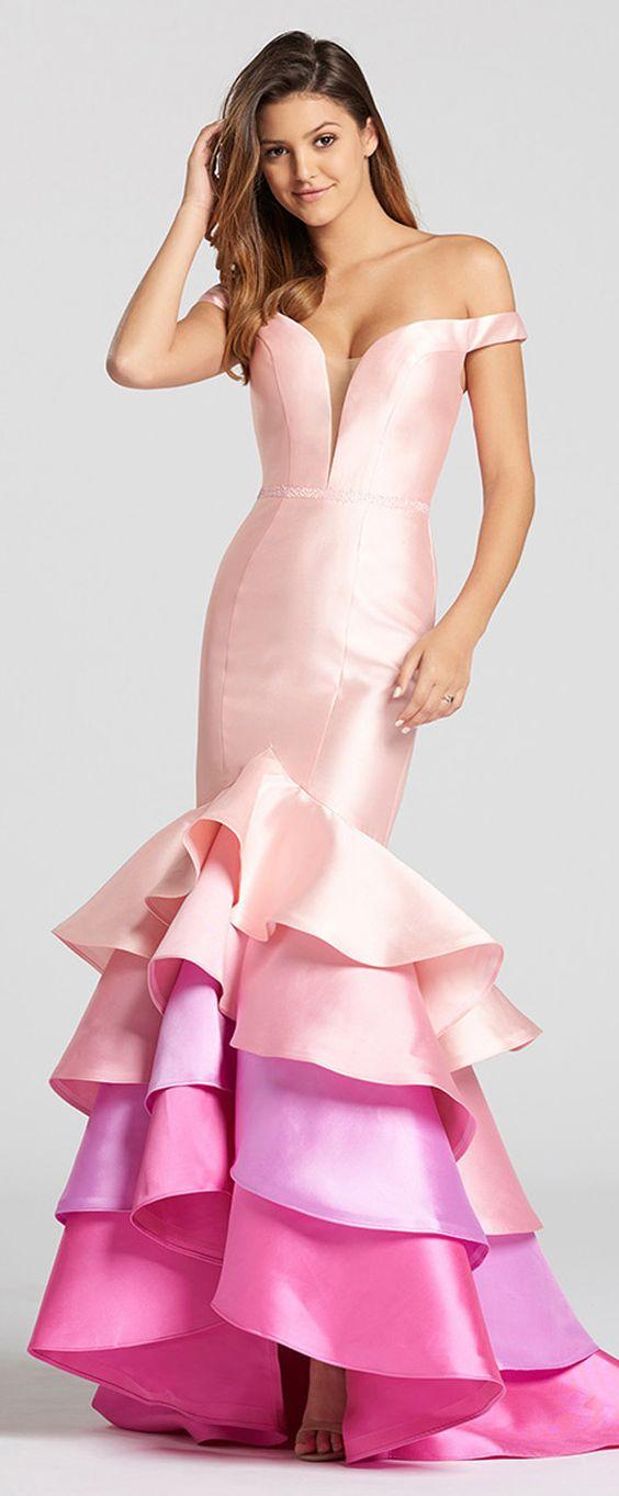 Saten Elbise Modelleri Pembe Uzun Geniş V yaka Düşük Kol Katlı Etek