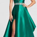 Saten Elbise Modelleri Yeşil Uzun Straplez Yırtmaçlı Beli Taş İşleme Kemer