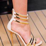 Topuklu Ayakkabı Modelleri Beyaz İnce Şerit Kemerli Küçük Taşlı