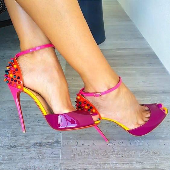 Topuklu Ayakkabı Modelleri Fuşya Önü Açık Arkası Renkli Küçük Nokta Süslü