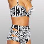 Yüksel Bel Bikini Modelleri Siyah Beyaz Yandan Kuş Gözlü Desenli